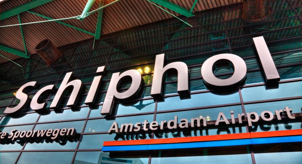 Schiphol airport Amsterdam Layover